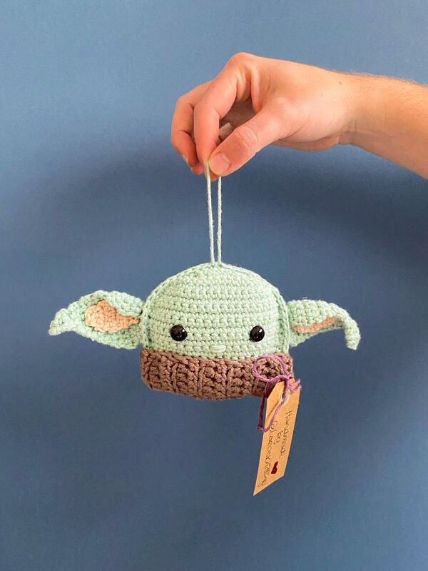 Baby Yoda hecho a ganchillo - Loreak